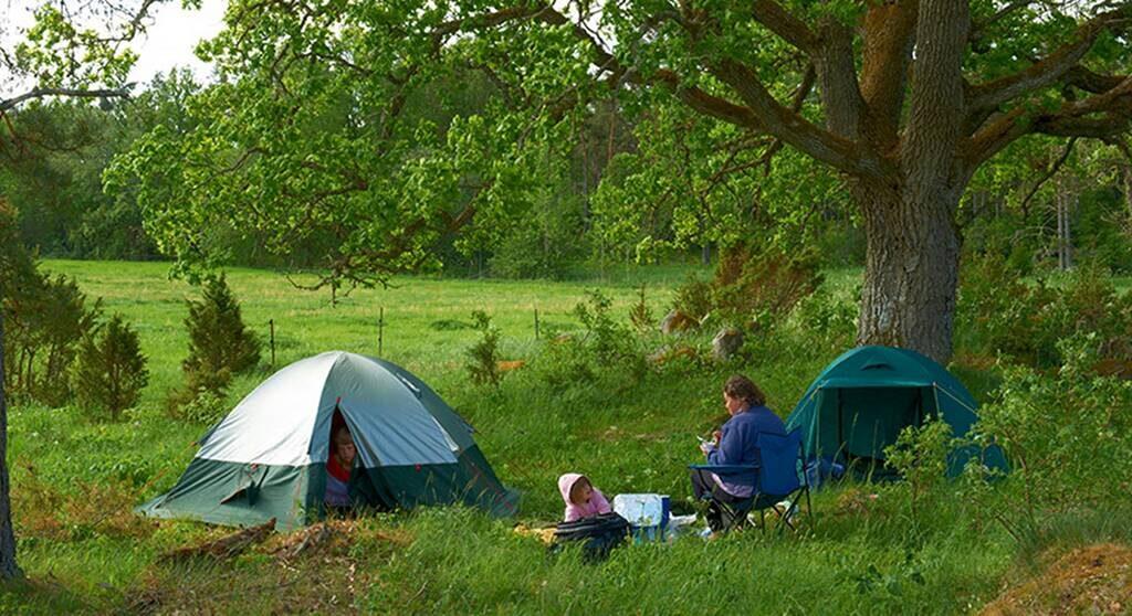 Tent with the kids,Tälta med barnen Ullstorps stugor Skåne